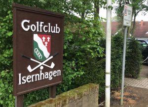 GOLFKRIMI IM LIGASPIEL – Die Mannschaft verliert Lokal Derby knapp