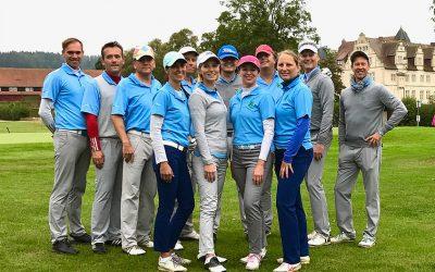 Aufstiegsfeier in Schwöbber – Die Mannschaft im Hamelner Golfclub